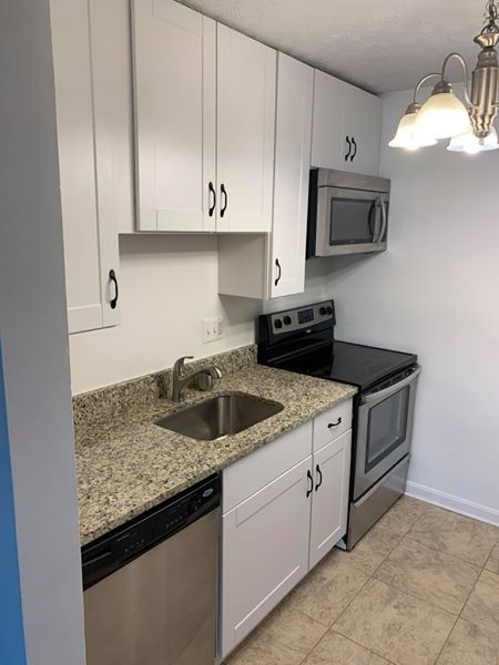 small apartment kitchen remodel