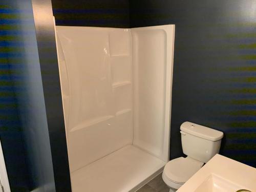 Bathroom tub installation